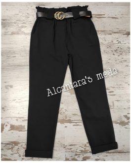 Pantalón negro con cinturón