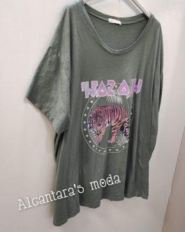 Camiseta Curvy Tigre