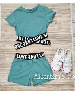 Conjunto verde love niña
